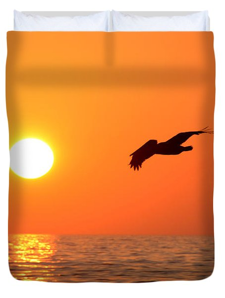 Flying Into The Sun Duvet Cover by David Lee Thompson
