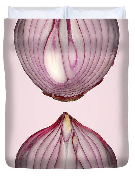 Food - Vegetable - Cross Section Of A Red Onion Duvet Cover by Mike Savad