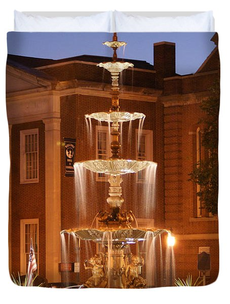 Fountain On Chambersburg Square Duvet Cover by L Granville Laird
