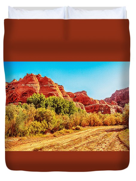Getting The Sun In Canyon De Chelly Duvet Cover by Dr Bob Johnston