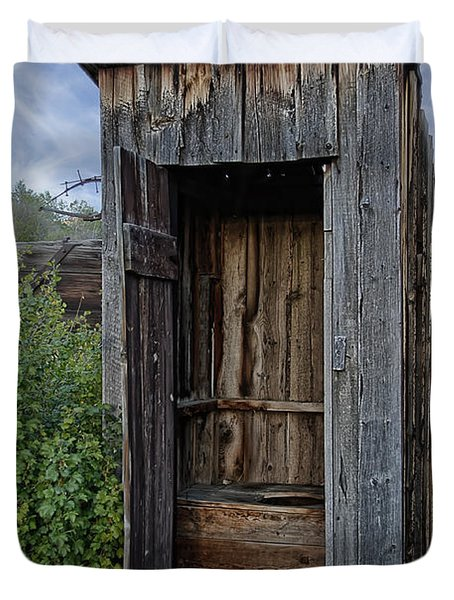 Ghost Town Outhouse - Montana Duvet Cover by Daniel Hagerman