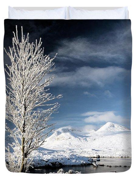 Glencoe winter landscape Duvet Cover by Grant Glendinning