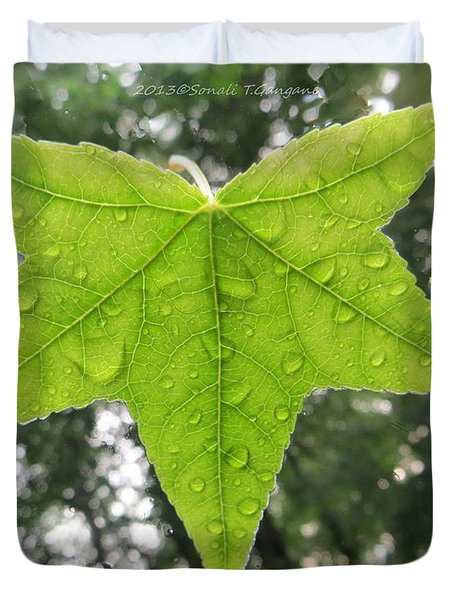Green droplets Duvet Cover by Sonali Gangane