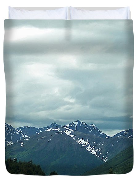 Green Pastures And Mountain Views Duvet Cover by Aimee L Maher Photography and Art