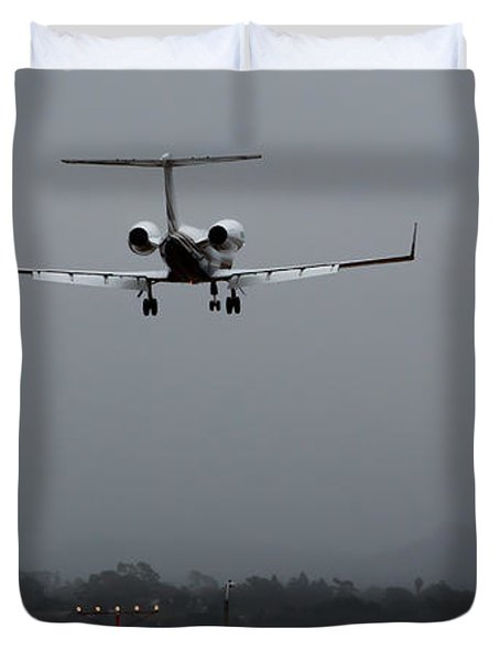 Gulfstream Approach Duvet Cover by John Daly