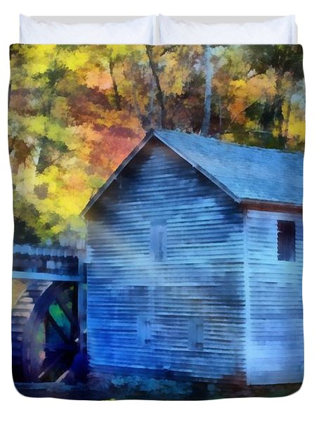 Hagood Mill With Sunrays Duvet Cover by Lynne Jenkins