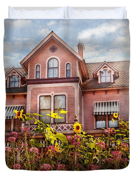House - Victorian - Summer Cottage Duvet Cover by Mike Savad