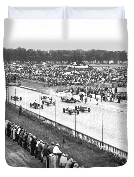 Indy 500 Auto Race Duvet Cover by Underwood Archives
