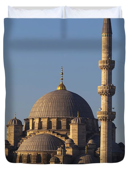 Islamic Mosque Istanbul, Turkey Duvet Cover by Mark Thomas