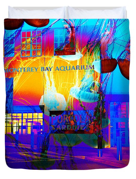 Its Raining Jelly Fish At The Monterey Bay Aquarium 5d25177 Duvet Cover by Wingsdomain Art and Photography