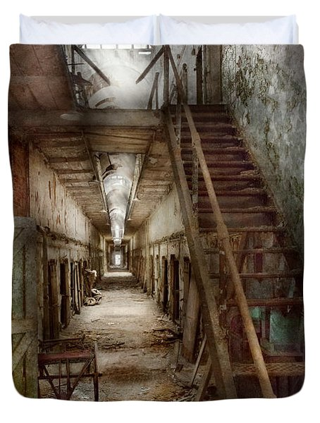 Jail - Eastern State Penitentiary - Down a lonely corridor Duvet Cover by Mike Savad