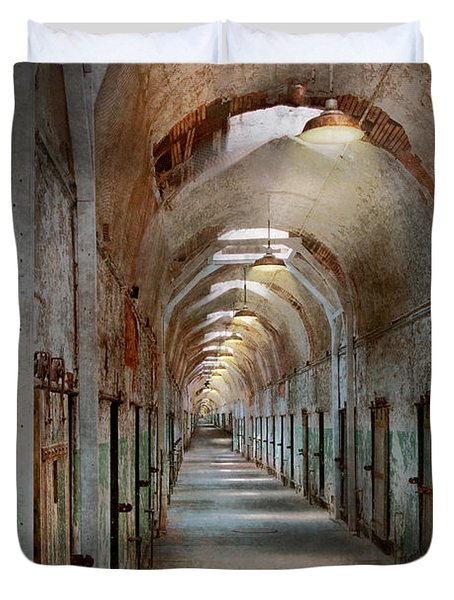 Jail - Eastern State Penitentiary - Endless torment Duvet Cover by Mike Savad