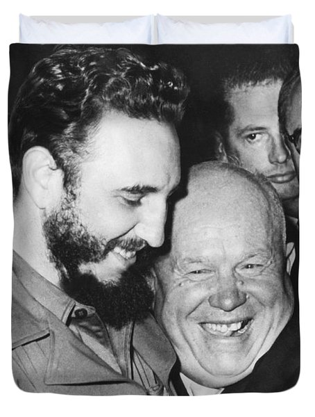 Khrushchev And Castro Duvet Cover by Underwood Archives