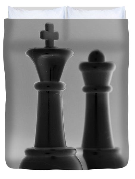 King And Queen In Black And White Duvet Cover by Rob Hans