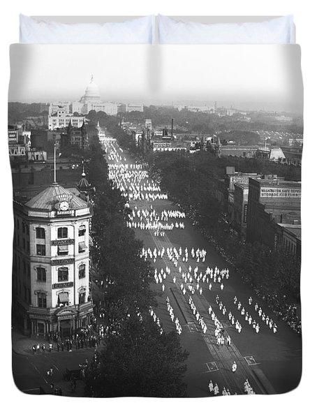 Ku Klux Klan Parade Duvet Cover by Underwood Archives