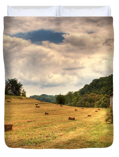 Lacy Farm Morgan County Kentucky Duvet Cover by Douglas Barnett