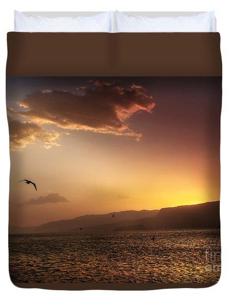 Lake Mead Sunrise Duvet Cover by Robert Bales