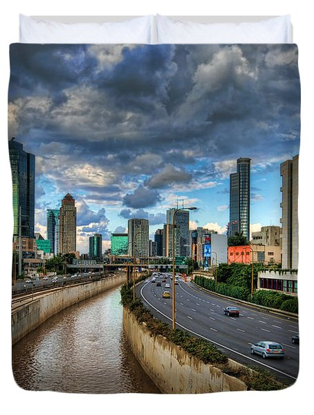 Life In The Fast Lane Duvet Cover by Ronsho