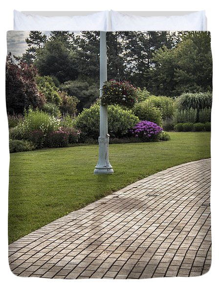 Light Post And Walkway At Michigan State University Duvet Cover by John McGraw