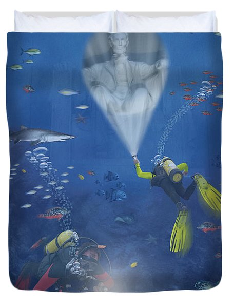 Lincoln Diving Center Duvet Cover by Mike McGlothlen