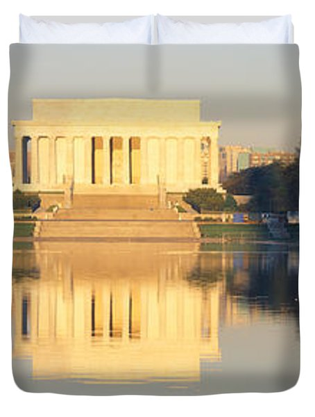 Lincoln Memorial & Reflecting Pool Duvet Cover by Panoramic Images