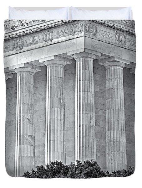 Lincoln Memorial Pillars Bw Duvet Cover by Susan Candelario
