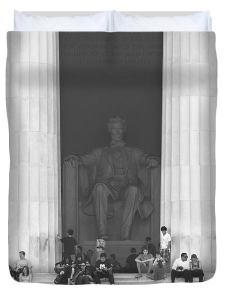 Lincoln Memorial - Washington Dc Duvet Cover by Mike McGlothlen