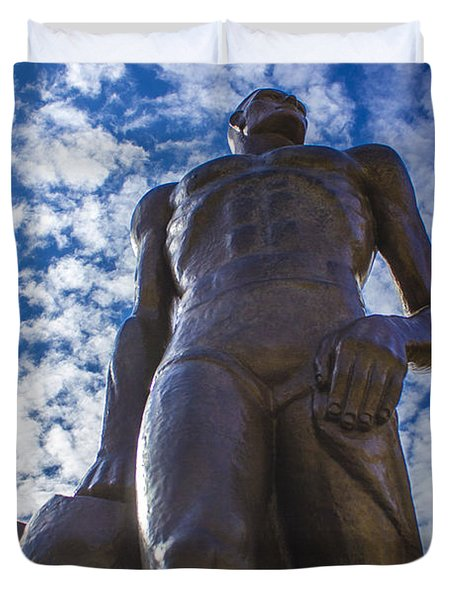 Looking Up At The Spartan Statue Duvet Cover by John McGraw