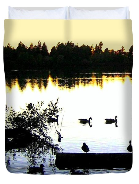 Lost Lagoon At Sundown Duvet Cover by Will Borden