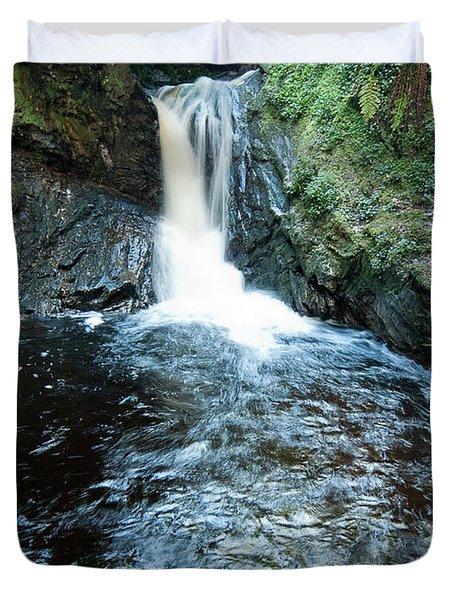 Lower fall Puck's Glen Duvet Cover by Gary Eason