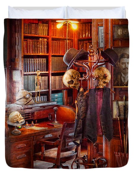 Macabre - In The Headhunters Study Duvet Cover by Mike Savad