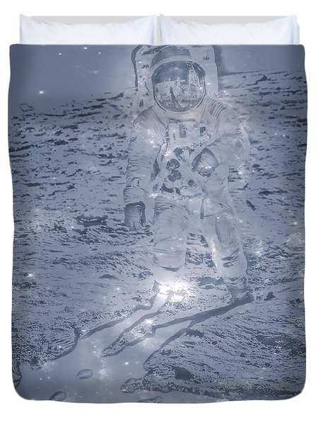Man On The Moon Duvet Cover by Dan Sproul