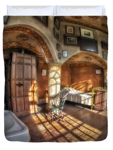 Master Bedroom At Fonthill Castle Duvet Cover by Susan Candelario
