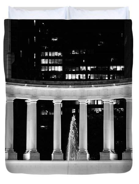 Millennium Monument and Fountain Chicago Duvet Cover by Christine Till