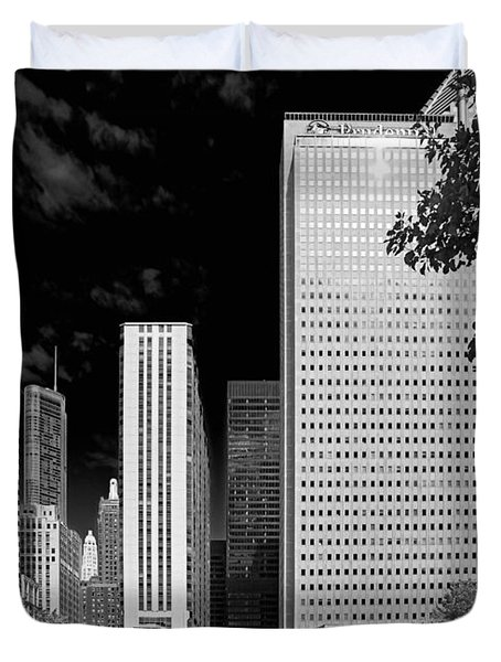 Millennium Park Monument - The Colonnade - Wrigley Square Chicago Duvet Cover by Christine Till