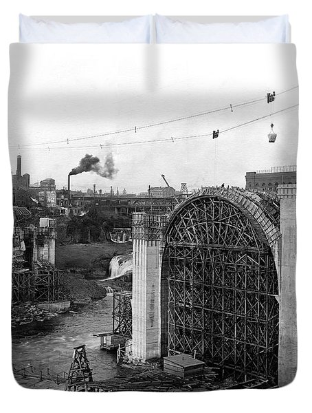 MONROE ST BRIDGE CONSTRUCTION 1910 Duvet Cover by Daniel Hagerman