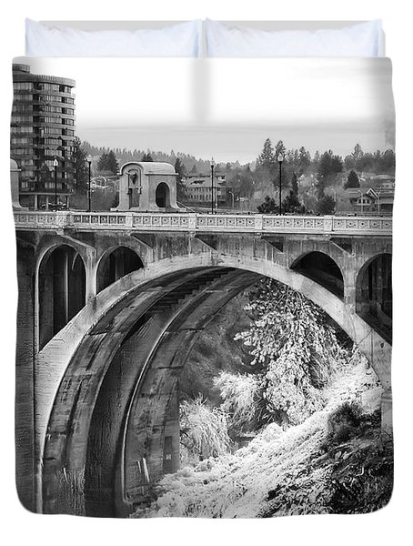 MONROE STREET BRIDGE ICED OVER - SPOKANE WASHINGTON Duvet Cover by Daniel Hagerman