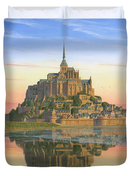 Mont Saint-michel Morn Duvet Cover by Richard Harpum