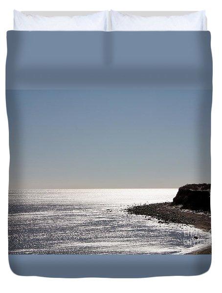 Montauk Beach And Bluff Duvet Cover by John Telfer