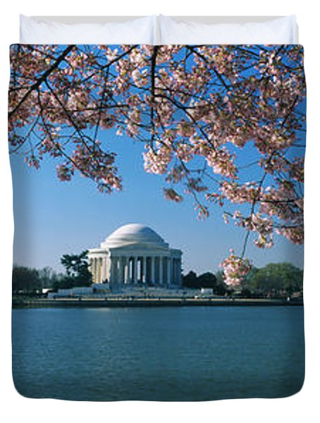 Monument At The Waterfront, Jefferson Duvet Cover by Panoramic Images