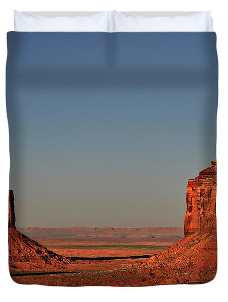 Monument Valley - East Mitten And Merrick Butte Duvet Cover by Christine Till