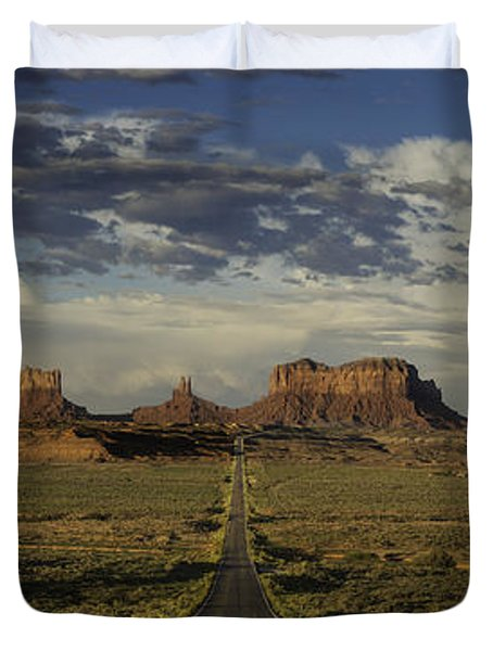 Monument Valley Panorama Duvet Cover by Steve Gadomski