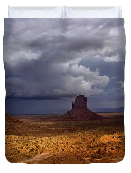Monuments Of The West Duvet Cover by Ellen Heaverlo