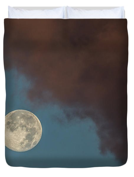 Moon Transition from Night to Day Duvet Cover by Rene Triay Photography