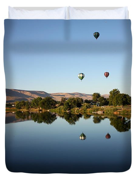 Morning On The Yakima River Duvet Cover by Carol Groenen