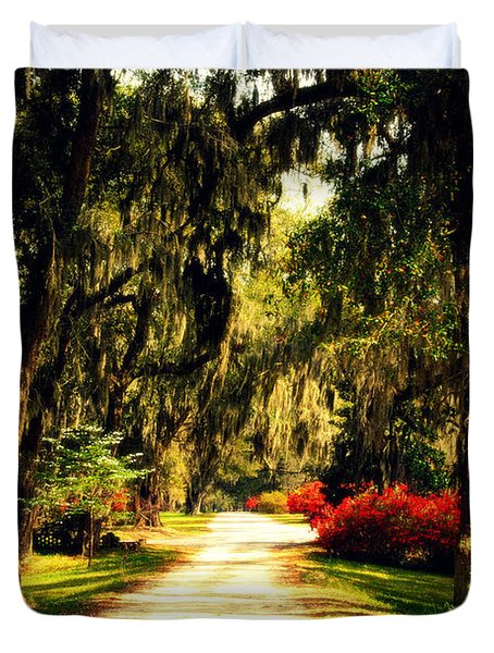 Moss On The Trees At Monks Corner In Charleston Duvet Cover by Susanne Van Hulst