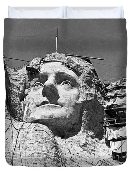 Mount Rushmore In South Dakota Duvet Cover by Underwood Archives