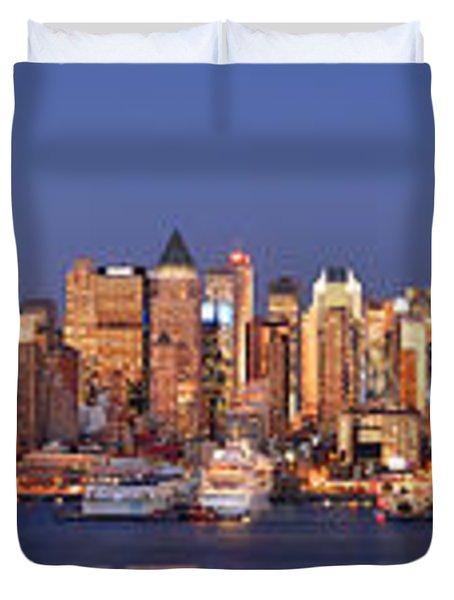 New York City Midtown Manhattan At Dusk Duvet Cover by Jon Holiday