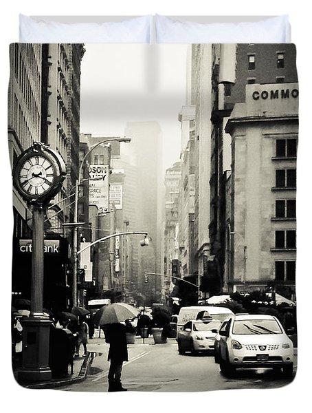New York City - Rain - 5th Avenue Duvet Cover by Vivienne Gucwa