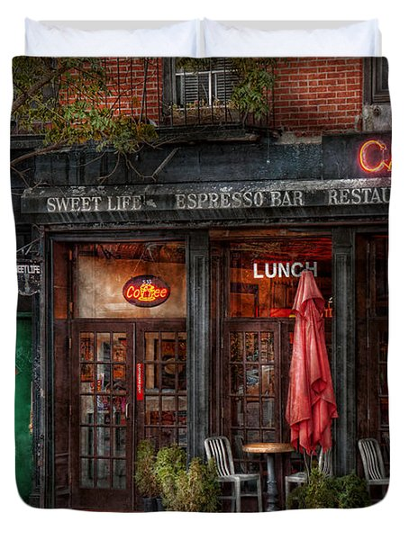 New York - Store - Greenwich Village - Sweet Life Cafe Duvet Cover by Mike Savad